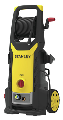 STANLEY-SW25-Pressure-Washer-Electric-removing-dirt-from-tires.jpg
